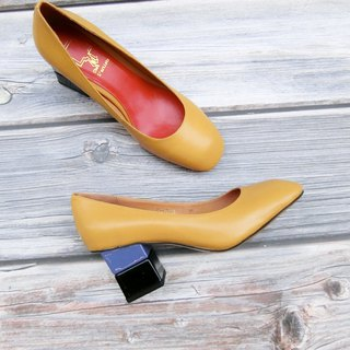 Two-tone block square heel shoes | | One-third of the sun-filled tulips | | #8113