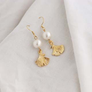 Kawagoe Apricot Shaped Cotton Pearl Light Jewelry Earrings Handmade Limited Edition