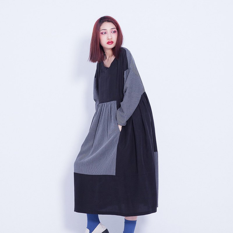 Corsage also _ 絜 利 straight dress Taiwan Design