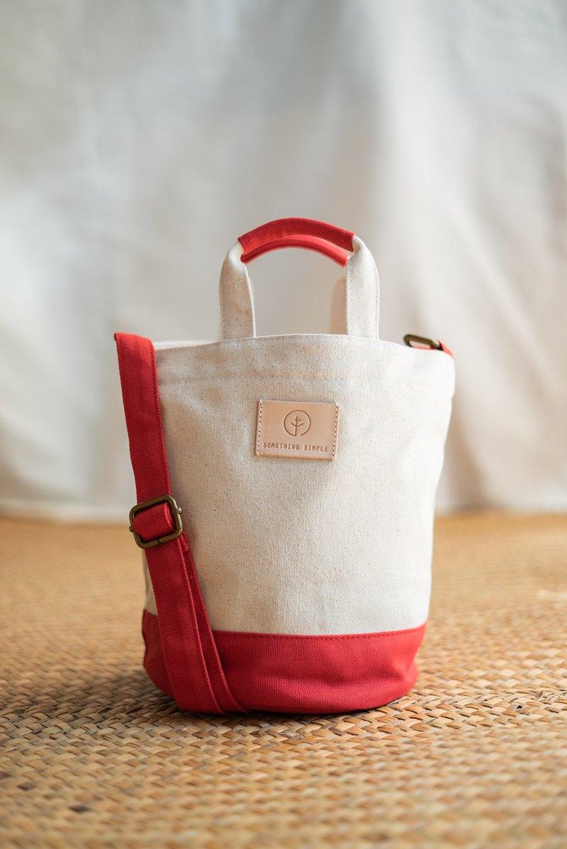 小巧桶狀斜背手提帆布包 _ RIKU : 白/紅