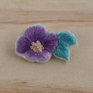 Spring flowers - flower pin / brooch