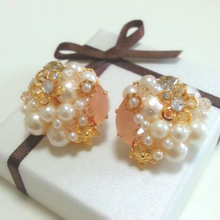 Pearl & flower elegant earrings earrings white