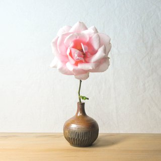 Chai pottery hand-made simple sculptured small mouth flower / vase
