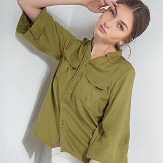 Flare sleeves top with front pockets