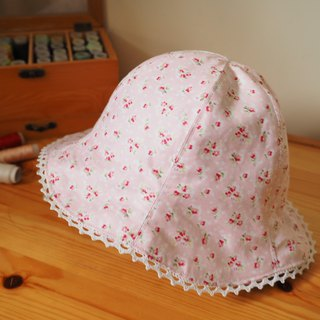 Handmade  reversible hat red floral pattern and sakura