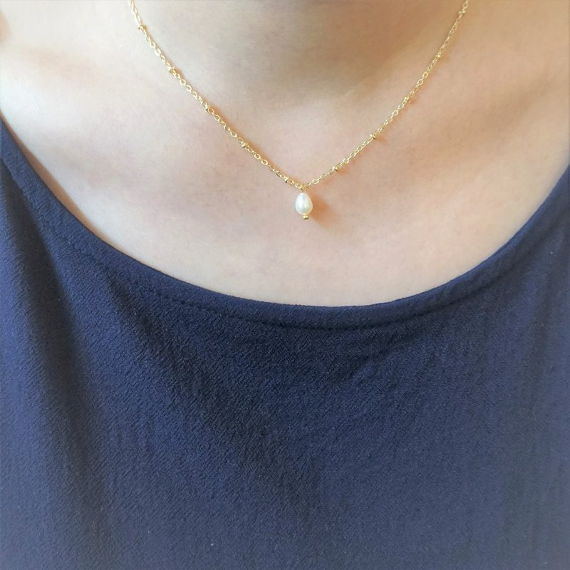 << Freshwater Pearl - Necklace >> Freshwater Pearl Short Chain Clavicle Chain