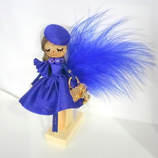 Brooch doll Lamartina