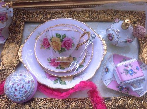 ♥ Annie crazy antiques ♥ British bone china 1950 British rose pink ...