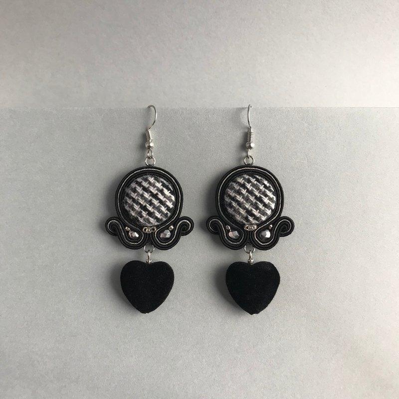 一分Tweed和心臟清潔耳環耳環可用