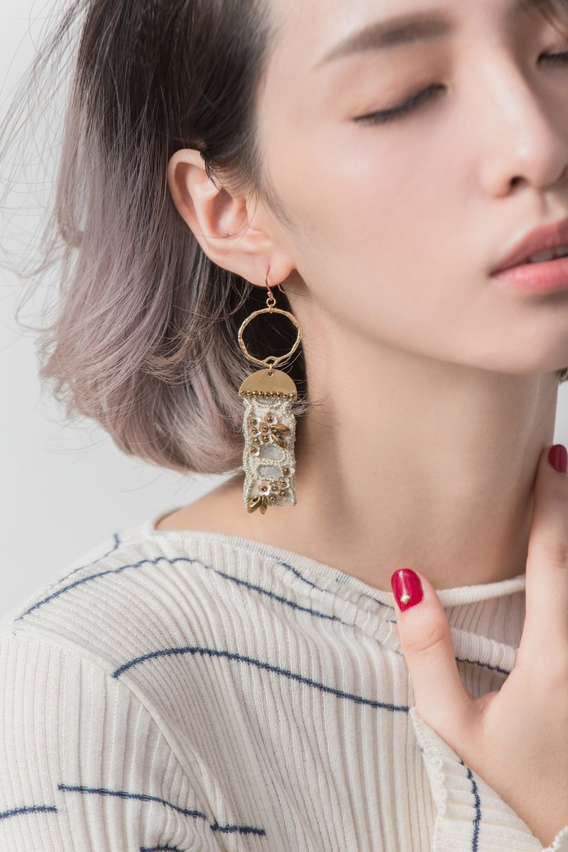 Handmade earrings ear clip ear clip lace / 甄宓