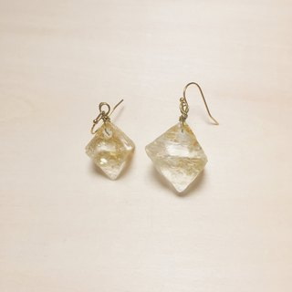 Fluorescent fluorite gold foil transparent resin earrings