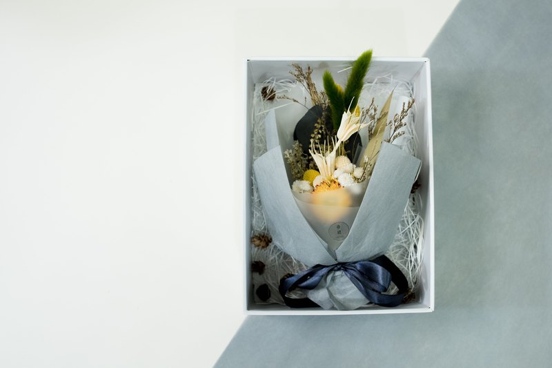 Third Floor [inside. Greenhouse] hardcover box | dry flower | eternal flower | no withered flowers