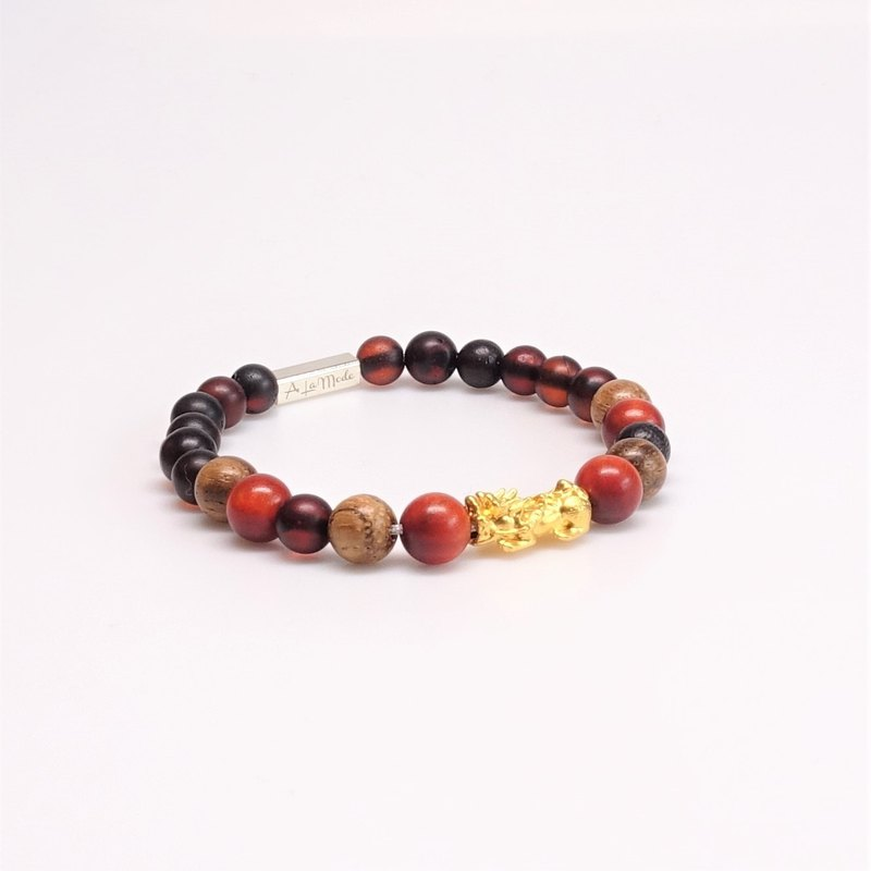 Amber Bracelet with Emperor Wood Agarwood Enhances Fortune Wood Healing System