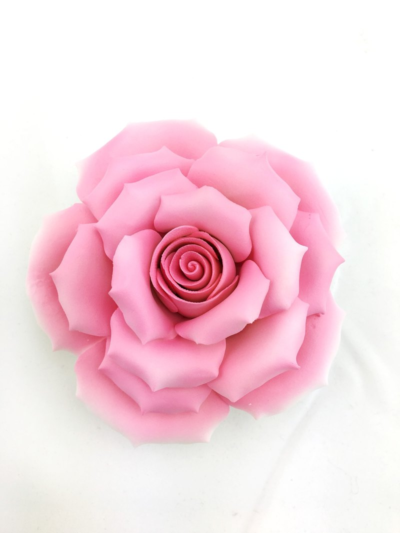 Cerritos porcelain - Large Pink Rose