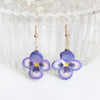 Handmade Heartsease earrings (Purple)