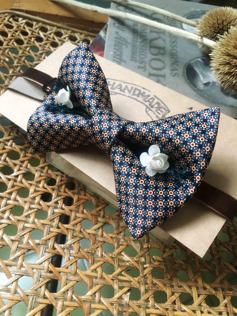 Marriage Graduation Gift - Antique Cloth Tie Tie Handmade Bow Tie - Flower Fire Red - Rose Edition