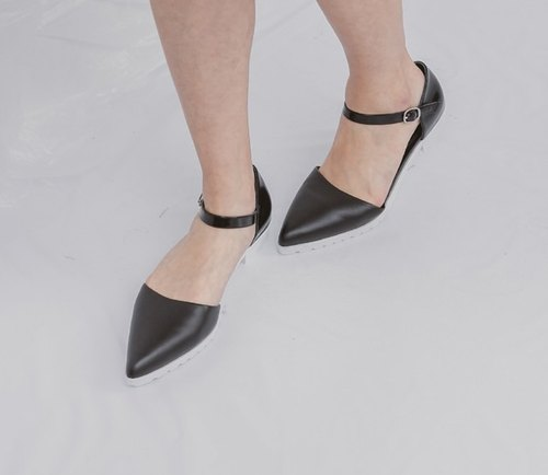 Black and white leather sandals pointed end