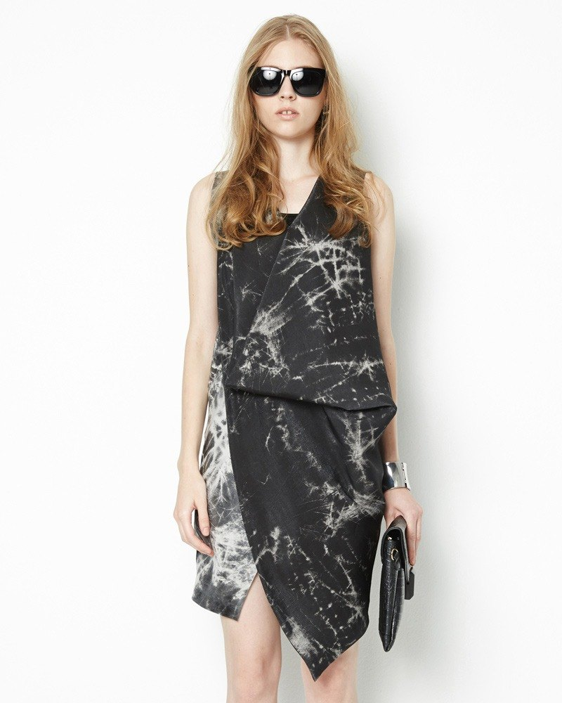 Front drape dress sense of design Sleeveless Dress with Drape Style