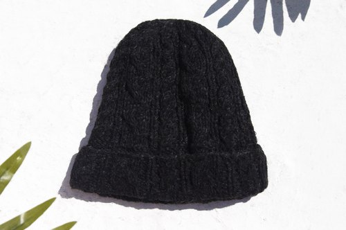 Christmas Bazaar Exchange Gifts Christmas Gifts A Limited edition of a hand-woven wool hat / knitted wool cap / inner bristles Handmade wool cap / hat (made in nepal) - Cool gray minimalist weave