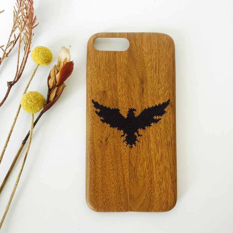 Yuansen hand-made original embroidery imitation wood mobile phone shell eagle
