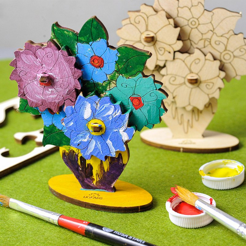 /Ugears/ Ukrainian wooden model coloring flowers