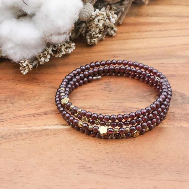 Small reunion | garnet | natural stone brass bracelet multi-ring