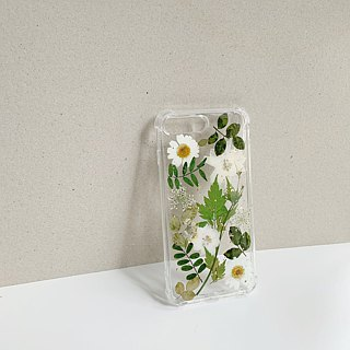 When Miss Green meets Mr White :: pressed flower phonecase