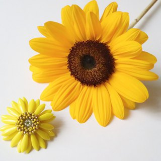 Sunflower Brooch Yellow Green