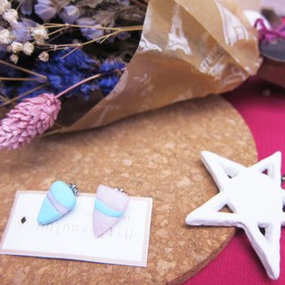Quartz powder triangle earrings (clip-on)