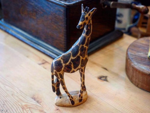 Collection of the world! Hand-carved wooden animal series Kenya Giraffe (paragraph 10)