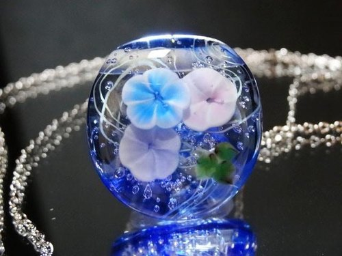 Dragonfly ball glass pendant of the morning glory