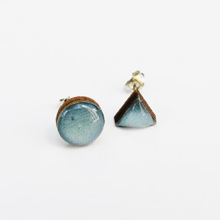 Tiny geometric triangle and circular wood earrings - Galaxy blue