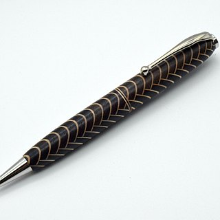 (Re-exhibition) 【Parquet】 Scaly pattern handmade wooden ballpoint pen CROSS refill core