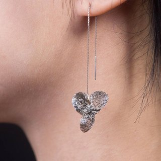 Boutique accessories - flower earrings