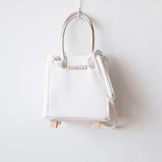 Cotton canvas square bucket bag (White with Silver Leather)