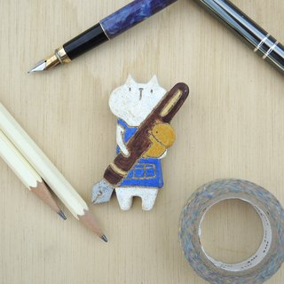 Stationery cat - brooch