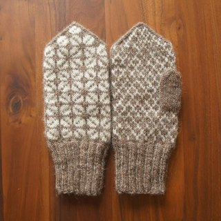 Latvian traditional mitten