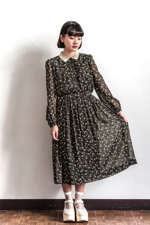Vintage Lace Tricho Flower Long Sleeve Dress