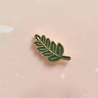 A. Strawberry Sleeping Forest Brooch - Leaves
