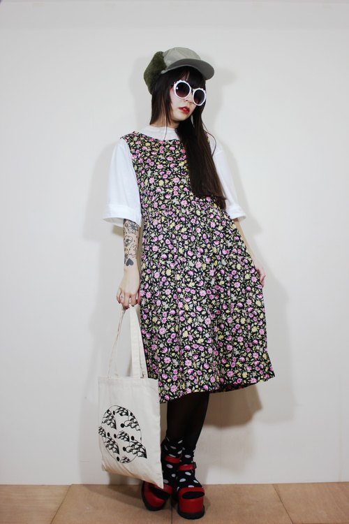 F2145 [Nippon in standard] (Vintage) black with pink flowers vintage sleeveless cotton dress