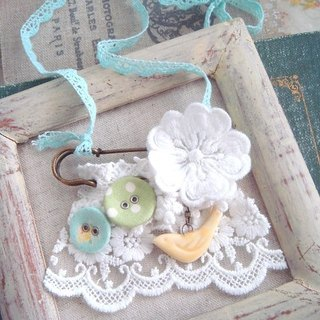 Garohands ginkgo * sky blue flowers of long-chain A504 wavelet-based forest gift ceramic bird buckle lace brooch in the shape of hand