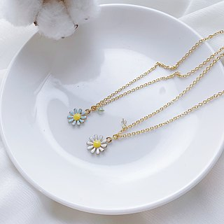SL273 Light you up pure small daisy collarbone necklace