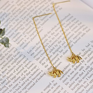 二毛银[Childhood Triceratops Trigonal Solid Brass Hanging Earrings] can mix and match dinosaurs into a pair