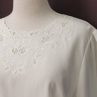 Vintage Japanese Elegant Chest Flower Openwork Embroidered Round Neck Loose White Long Sleeve Vintage Shirt