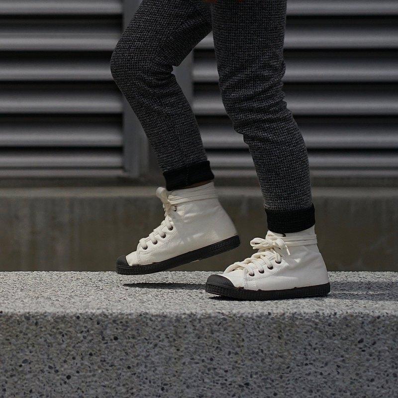 西班牙帆布鞋 CIENTA U61997 05 白色 黑底 經典布料 童鞋 高筒