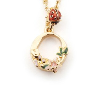 Flower English letter O necklace
