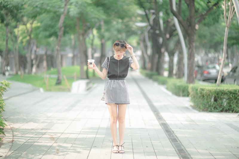 Mu Wei: striped yarn and small dress