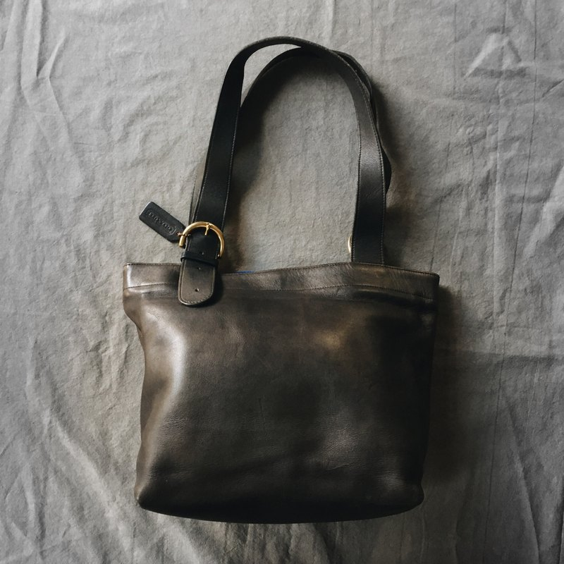 A ROOM MODEL - VINTAGE, COACH Black Shoulder Bag / BA-0514