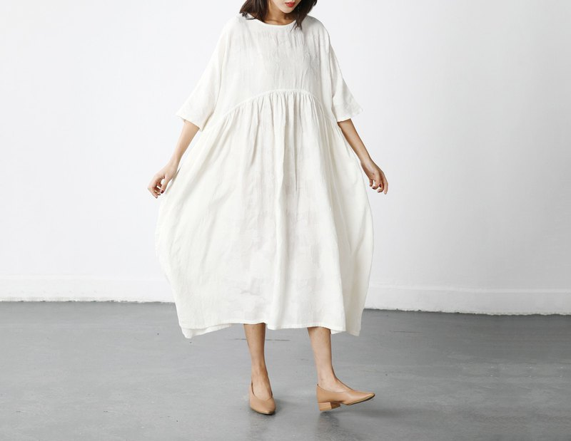 [Limited] Summer cotton dress / three-dimensional pattern touch / five-point sleeve loose dress
