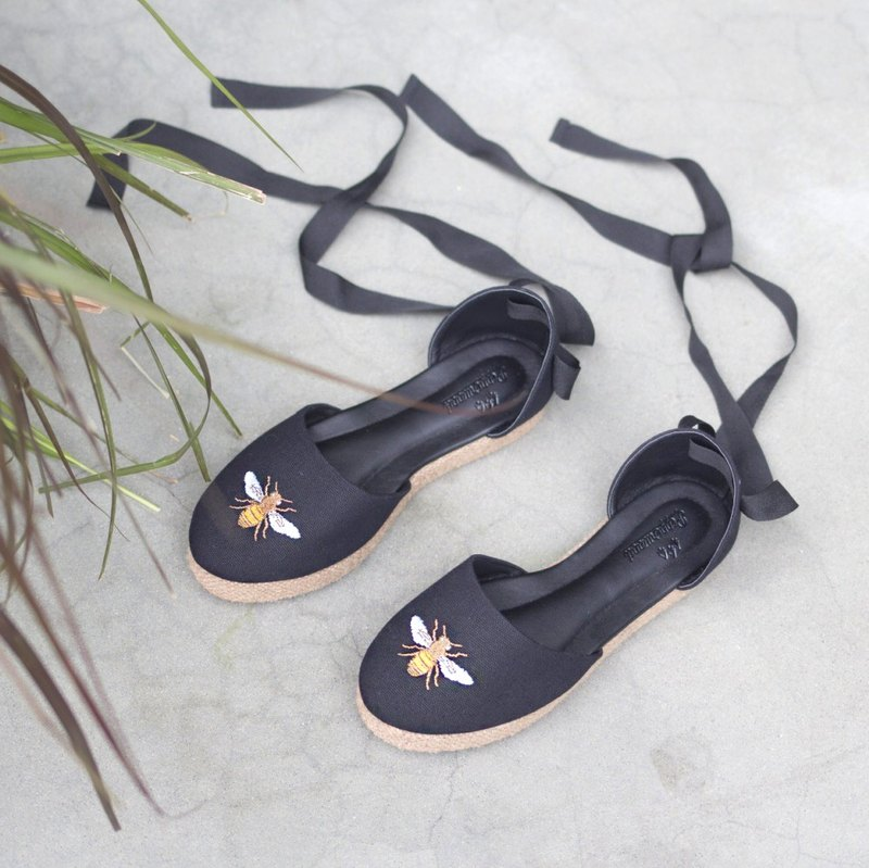Bee Lace Up Sandals (Black)